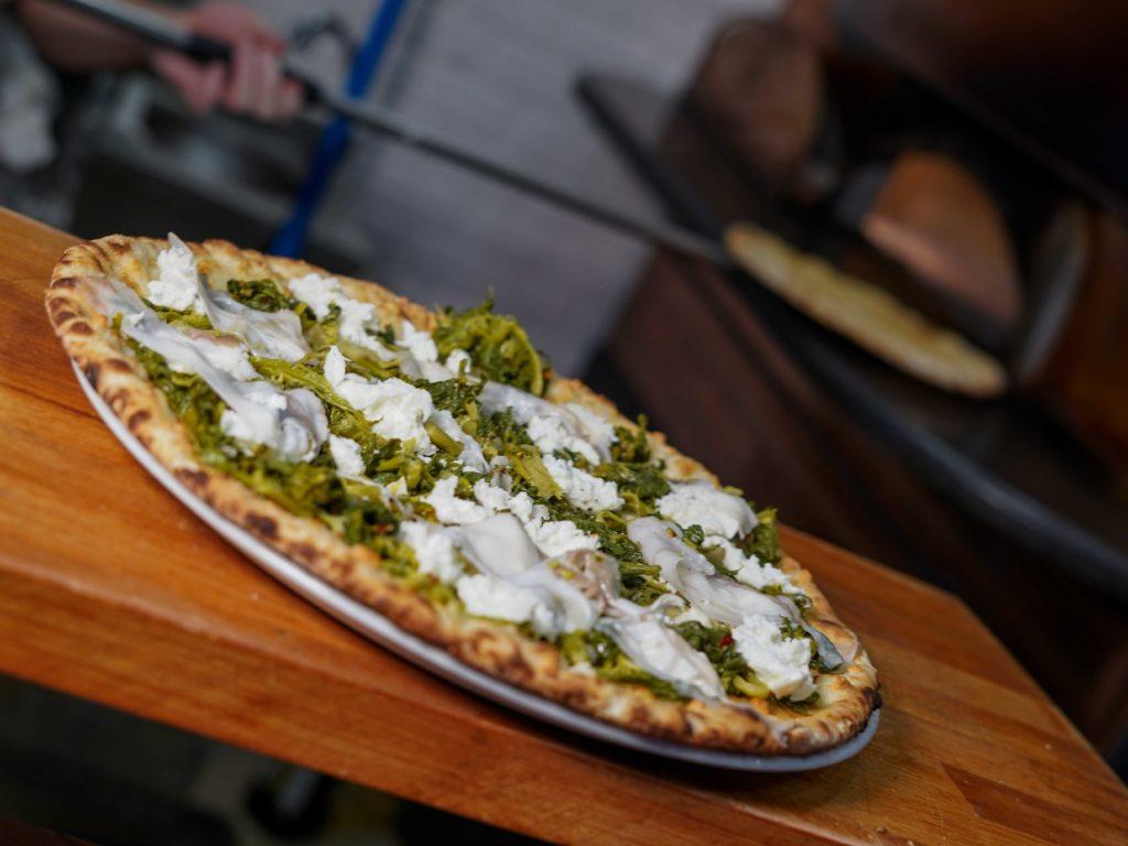 pizza-dalla-puglia-alla-toscana-pizzeria-divina